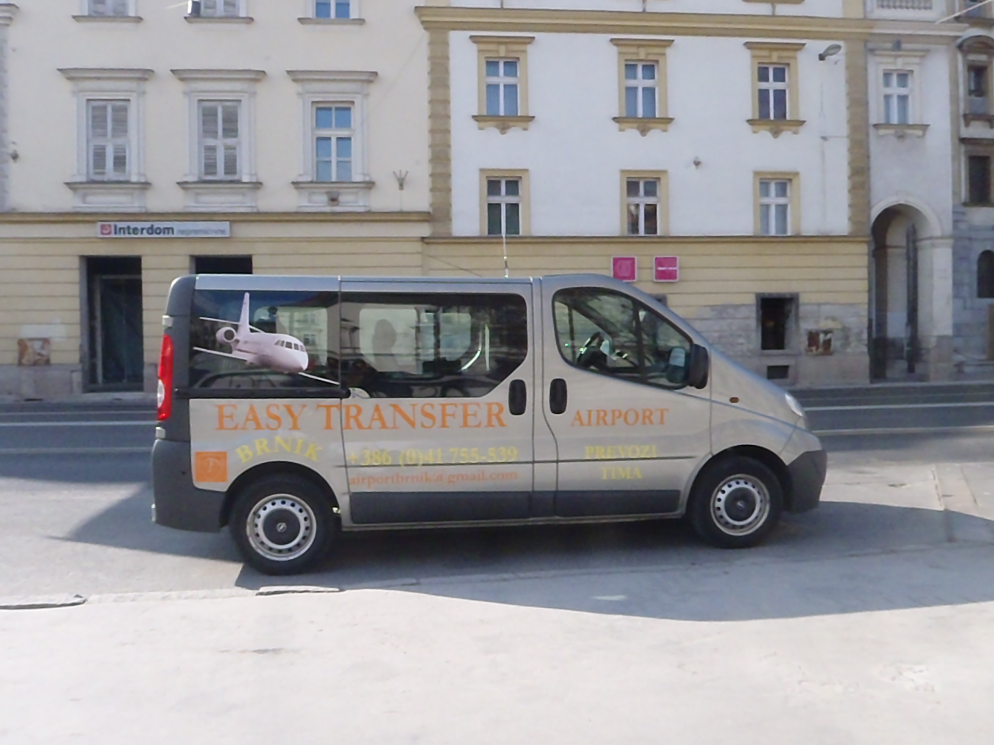 low price slovenia transfer taxi shuttle. Black Bedroom Furniture Sets. Home Design Ideas